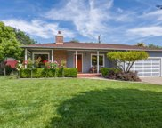 2116 Mcgarvey Ave, Redwood City image