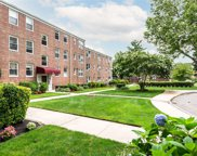 15 Edwards  Street Unit #3J, Roslyn Heights image