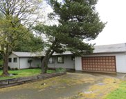 10055 SW BAYOU  DR, McMinnville image