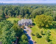 1532 Crowell   Road, Vienna image