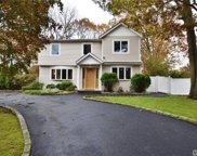 1 Kenmore St, Dix Hills image