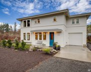 2075 Soundview Dr NE, Bainbridge Island image