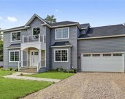 6 West  Court, Roslyn Heights image