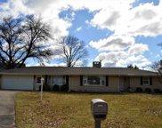 9 Swanson Manor, Elkhart image
