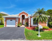 385 Somerset Way, Weston image