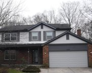 1533 Buck Trail Lane, Worthington image
