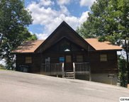 2858 Eagle Crest Way, Sevierville image