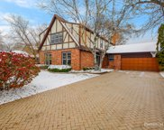 554 Prince Edward Road, Glen Ellyn image