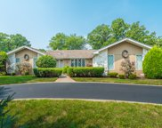 710 Forest Glen Lane, Oak Brook image