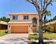2013 Nw 208th Ter, Pembroke Pines image