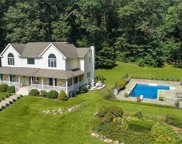 261 Glen Cove Rd, Oyster Bay image