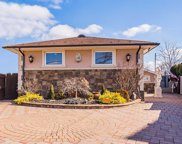 2517 Farmers Ave, Bellmore image