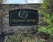 32 Claymont Springs, Crestwood image