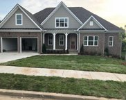 123 Manor Way, Hendersonville image