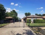 2932 Chestnut Avenue, Fort Worth image