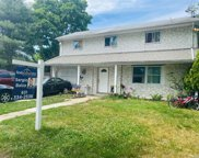 1 Date  Street, Central Islip image