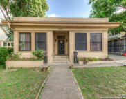 627 W French Pl, San Antonio image
