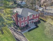 47 Sycamore Dr, Roslyn image