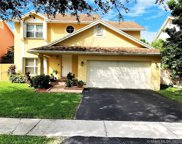 1120 Sw 96th Ter, Pembroke Pines image