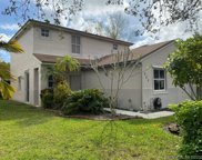 225 Nw 207th Ter, Pembroke Pines image