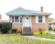 7441 West Strong Street, Harwood Heights image