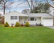 84 Balaton Ave, Lake Ronkonkoma image