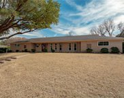4005 Hildring Drive W, Fort Worth image