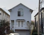 511 NE 74th St, Seattle image