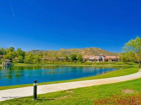 29337_Via_Milago_Valencia_CA_91354-Tesoro-del-Valle-Lake