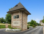 10 Willow Crest Drive Unit 10, Oak Brook image