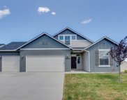 2273 N Meadowhills Ave, Star image
