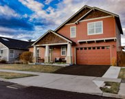 20774 Beaumont, Bend image