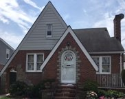 218-08 118th Ave, Cambria Heights image