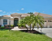 6840 Honeysuckle Trail, Lakewood Ranch image
