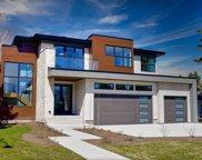 399 Wildwood Drive Sw, Calgary image