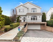 78 Lyons  Road, Scarsdale image