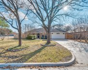 722 Oak Lane, Grapevine image