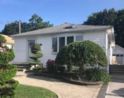 258 N Richmond Ave, Massapequa image