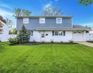 57 Crescent  Drive, Old Bethpage image