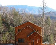 727 Mountain Stream Way, Gatlinburg image