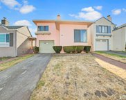 66  LAKEWOOD Drive, Daly City image
