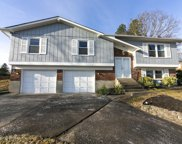 2711 Windsor Forest Dr, Louisville image