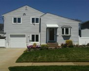 2929 Bellport Ave, Wantagh image