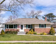 877 Whitebirch Ln, Wantagh image