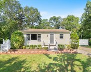 146 Holly  Road, South Kingstown image