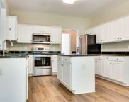 9432 Lillian, Brentwood image