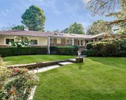 15 The Pines, Roslyn image