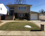 2153 Willow St, Wantagh image