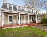 16 Hunting Hollow Ct, Dix Hills image
