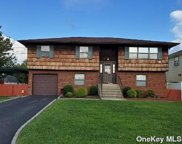 562 Carriere  Street, Bethpage image